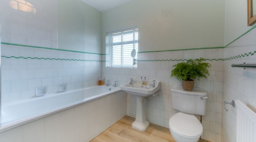 B21 A20 Bathroom Belfairs reshoot 11