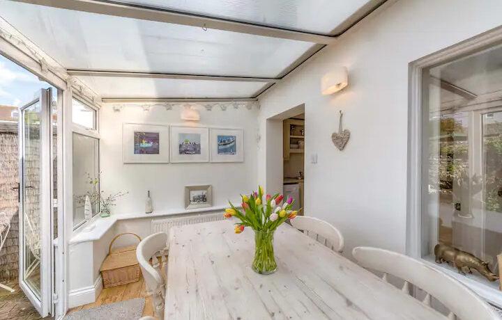 Arundel Cottage 3