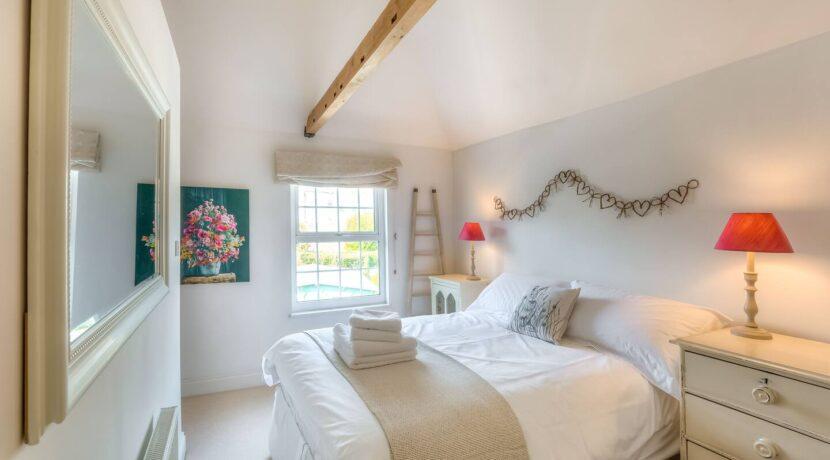 Arundel Cottage 8