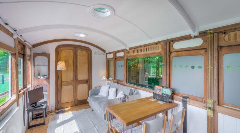 RailwayCarriage2